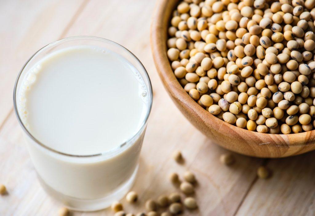A képennövényi terj, vegán tejtermék látható.