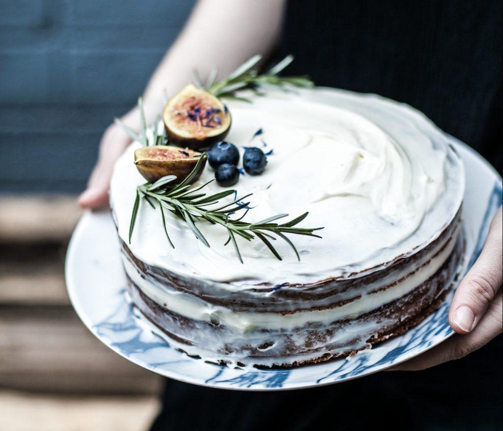 A képen vegán torta recept van.