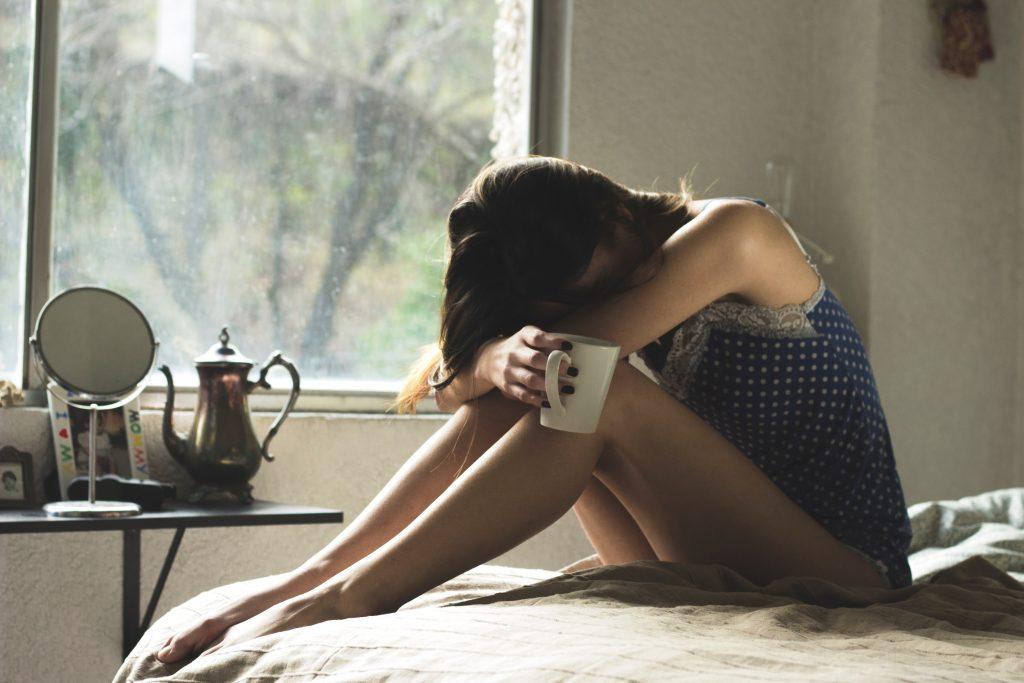 A képen migrénes fejfájás elleni gyógymód van.