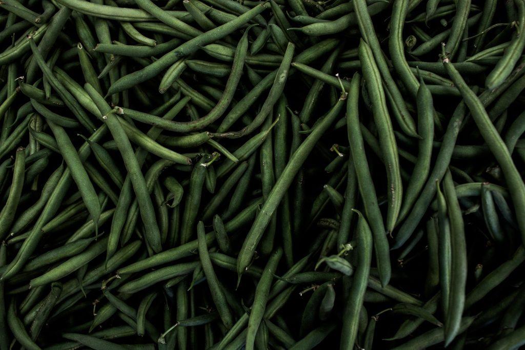 A képen vegán zöldség van.