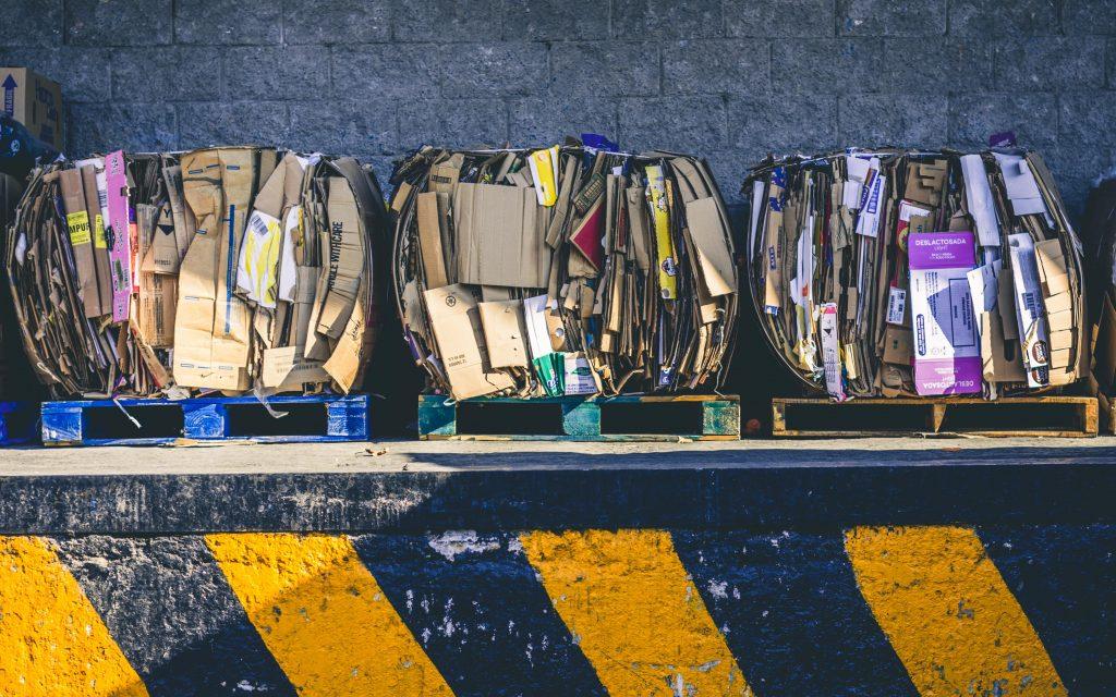 alfonso navarro qph7tJfcDys unsplash 1024x640 - Mit is jelent a hulladékmentesség?